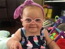 Xúc động khoảnh khắc bé gái 1 tuổi bị câm cất tiếng gọi cha đầu tiên sau ca phẫu thuật