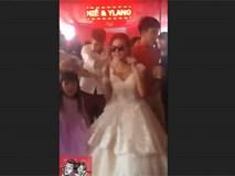 Cô dâu trẻ biến hội trường cưới thành sàn nhảy, cùng hội bạn thân 'quẩy' hết mình
