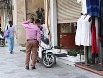 Người đàn ông mang khăn lụa Khaisilk tặng vợ hôm 20-10 nhất quyết đến cửa hàng trả lại