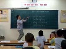 Thầy giáo vô tư múa 'Đàn gà con' cho học sinh dễ thuộc bài