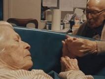 Tình yêu vĩnh cửu của cặp vợ chồng 80 năm không rời tay nhau