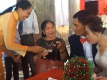 Độc đáo đám cưới ở Bắc Ninh, có người cầm túi nhận tiền mừng cho cô dâu, chú rể