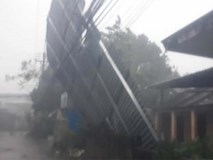 Sự khủng khiếp của cơn bão số 12 khi đổ bộ vào Khánh Hòa