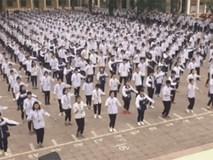 Không thể rời mắt trước màn thể dục giữa giờ đẹp và siêu chất của học sinh Hà Nội