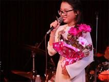 Clip: Phương Mỹ Chi xin lỗi vì để khán giả mắng oan mẹ