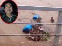 Phút thoát chết của người đàn ông bị lũ cuốn 10km cùng bè cá