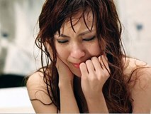 Chồng tát vợ sấp mặt ngay đêm tân hôn, nói nhà vợ ăn lãi tiền thách cưới