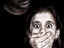 Sang nhà hàng xóm chơi, bé gái 18 tháng trở thành nạn nhân của vụ ấu dâm kinh hoàng