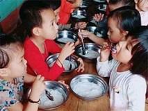 Cho trẻ ăn bún luộc nước sôi: Phụ huynh hiểu lầm, nhưng nhà trường cũng cần rút kinh nghiệm