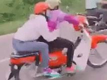 """Clip: Nữ quái xe lộng hành trên đường khiến cánh đàn ông """"chào thua"""""""