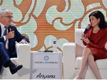 Nữ tướng Facebook Sheryl Sandberg: 'Đừng gọi nữ lãnh đạo là hách dịch'