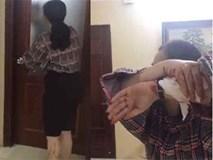 Phát hiện gái lạ trốn trong tủ, chồng cố thủ, vợ livestream yêu cầu ly hôn
