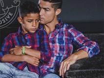 Con trai Ronaldo tạo dáng chuyên nghiệp trong lần đầu làm người mẫu