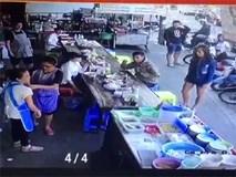 Không xin được túi nilon lớn, cô gái trẻ hất cả túi bún nóng lên người bán hàng rồi ngoảnh mặt quay đi