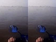 Clip: Sự thật bất ngờ phía sau hình ảnh chàng sinh viên Huế lái xe máy vượt sông tới trường