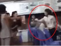 Chồng đi nhậu với cô gái khác, vợ cầm mũ bảo hiểm đánh ngay giữa quán