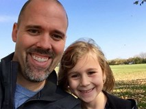 """Tức giận vì câu hỏi """"Làm sao để giữ chàng"""", bố liền viết tâm thư gửi con gái"""