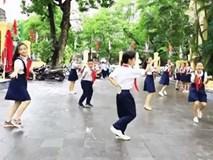 Clip kỉ niệm 100 năm thành lập trường cool như MV ca nhạc của học sinh Trưng Vương