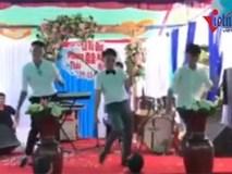Màn Flashmob đám cưới cực sáng tạo khiến ai cũng muốn tham gia