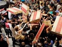 Black Friday 2017: Cơn lốc mua sắm cuối năm