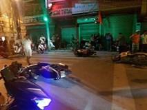 """""""Xe điên'' đâm hàng loạt xe máy dừng đèn đỏ khiến nhiều người nhập viện"""