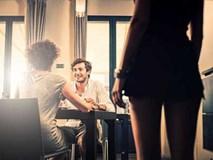 4 biểu hiện không thể chối cãi của đàn ông ngoại tình
