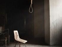 Huế: Đang lo hậu sự cho cô giáo tử vong bất thường, gia đình tá hoả phát hiện người chồng cũng đã chết sau vườn