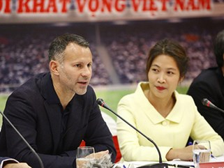 Ryan Giggs tuyên bố giúp bóng đá Việt Nam dự World Cup 2030