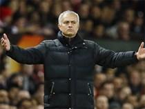 Nhân viên Man Utd kêu trời vì HLV Mourinho không cho nghỉ Giáng sinh