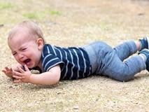 """5 chiêu """"lạ đời"""" có tác dụng làm dịu cơn tức giận, khóc lóc của trẻ chỉ trong vài giây"""