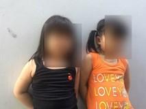 """""""Tôi bủn rủn khi thấy con gái bị cô giáo dùng bình nhựa đánh vào đầu và người"""""""