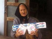 """Cụ bà 107 tuổi nhận """"quà cứu trợ lũ lụt"""" là… 2 gói băng vệ sinh gây xôn xao: Chính quyền địa phương nói gì?!"""