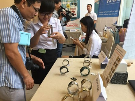 Vì sao loạn hàng 'made in China' gắn mác Việt?