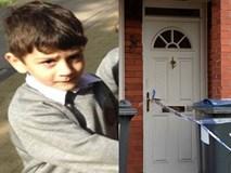 Cậu bé 7 tuổi bị nhốt ngoài trời lạnh cóng đến chết, mọi nghi ngờ của cảnh sát đều đổ dồn về người mẹ