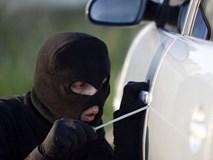 """Trộm xe Mercedes trong vòng """"một nốt nhạc"""""""