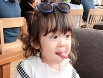 'Bà cụ non' 3 tuổi tái xuất với màn bảo vệ ba 'từ nhà ra ngõ' không thể yêu hơn
