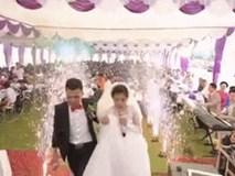 Cô dâu, chú rể đốn tim khách mời với giọng hát 'ngọt như mía lùi' trong ngày cưới