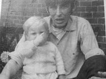Ngược đãi dã man con riêng của vợ khiến bé tử vong, gần 50 năm sau, gã cha dượng mới chịu tội nhờ một bức ảnh