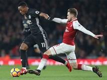 Man Utd rối bời: Martial chửi HLV Mourinho, Pogba nguy cơ bị phạt nặng