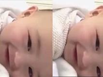 """""""Rụng tim"""" trước nụ cười của thiên thần nhỏ"""