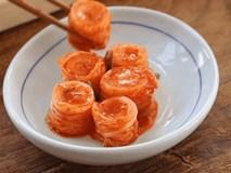 Suốt ngày ăn kim chi nhưng bạn đã biết cắt và bày kim chi lên đĩa đúng cách chưa?