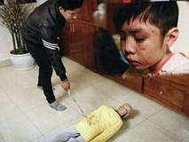 Clip: Người cha 'thú tính' thực nghiệm hiện trường đánh con trai 10 tuổi