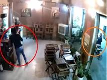 Clip: Đôi nam nữ dàn cảnh 'nẫng' điện thoại tại quán cà phê