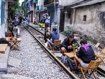 Điểm uống cà phê giữa đường tàu gây tranh cãi ở Hà Nội bị xóa sổ