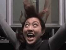 Clip: Những gương mặt ấn tượng khi bị troll sập thang máy 'vừa buồn cười vừa sợ'