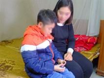 Vụ bé trai 9 tuổi bị bố dùng dây điện đánh đập: Bố mẹ tự hòa giải, cháu bé được cách ly khỏi người bố
