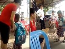 Người mẹ nhu nhược để con trẻ đánh tới tấp mà không phản ứng gì