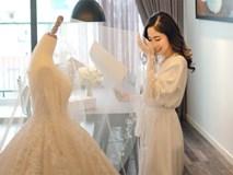 """Đám cưới cổ tích với váy cưới đính 20.000 viên ngọc trai, dàn khách mời """"khủng"""" và loạt xe sang của cặp đôi """"cậu ấm cô chiêu"""" Hà thành"""