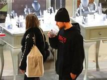 Luke Shaw đưa bạn gái đi chọn nhẫn đính hôn