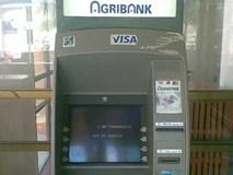 Hàng trăm khách hàng hốt hoảng khi bị mất tiền và dữ liệu thông tin thẻ ATM